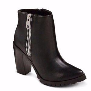 Women's Mossimo Jan black zipper booties size 6